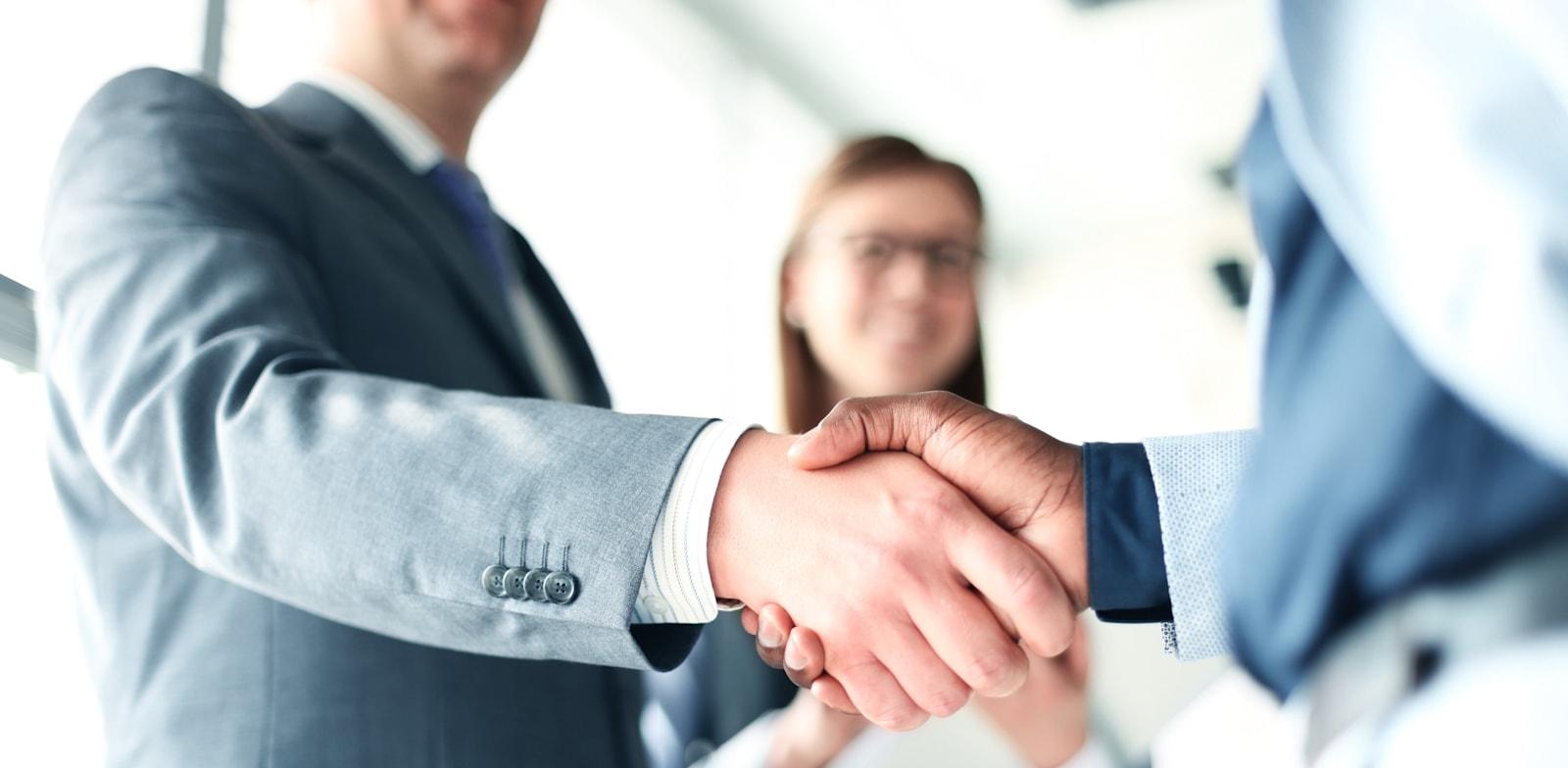 בנק מזרחי טפחות מתמקד במהלך השנים האחרונות במגזר העסקי בכלל ובמגזר ה-MM בפרט / צילום: Shutterstock