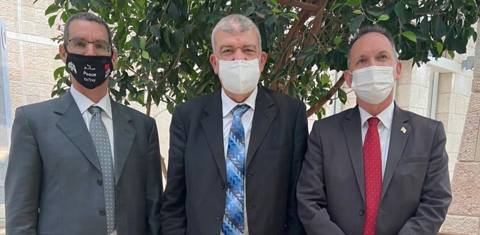"""גיל השכל, משרד החוץ, מנהל מחלקת המגרב באגף מזה""""ת, ליאור בן דור ועבדל-רחים ביוד, מנהל הנציגות המרוקנית / צילום: משרד החוץ"""