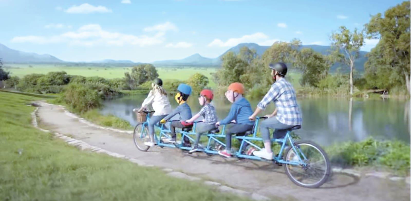 שקע, תקע וג'ין בורדו בפרסומת לחברת החשמל. חביב אבל לא מספיק כדי להיזכר / צילום: יוטיוב