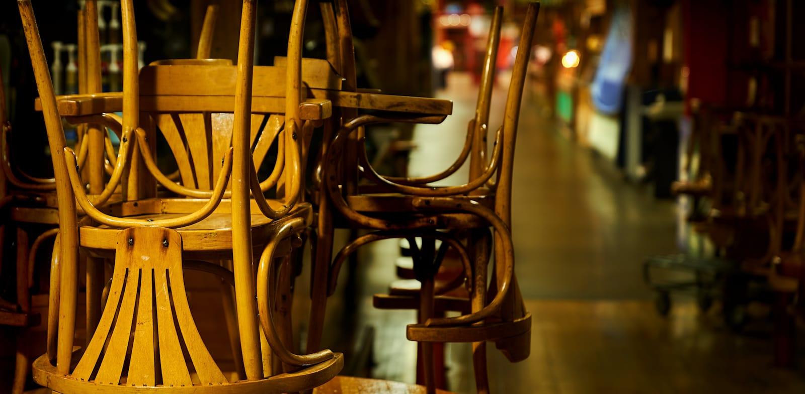 מסעדה סגורה / צילום אילוסטרציה: Shutterstock, Max Lindenthaler