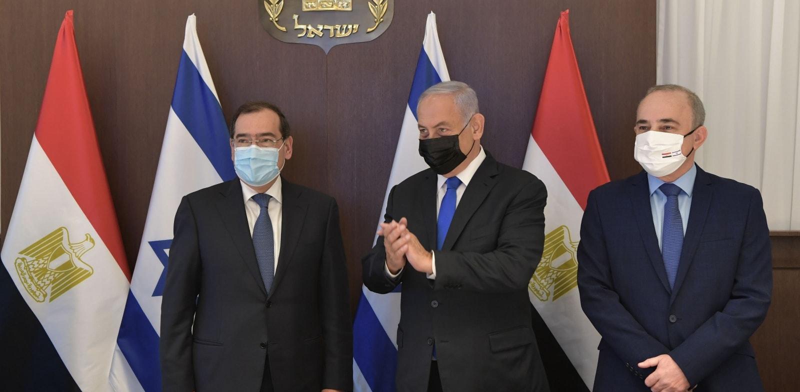 """שר האנרגיה שטייניץ ומקבילו המצרי / צילום: קובי גדעון-לע""""מ"""