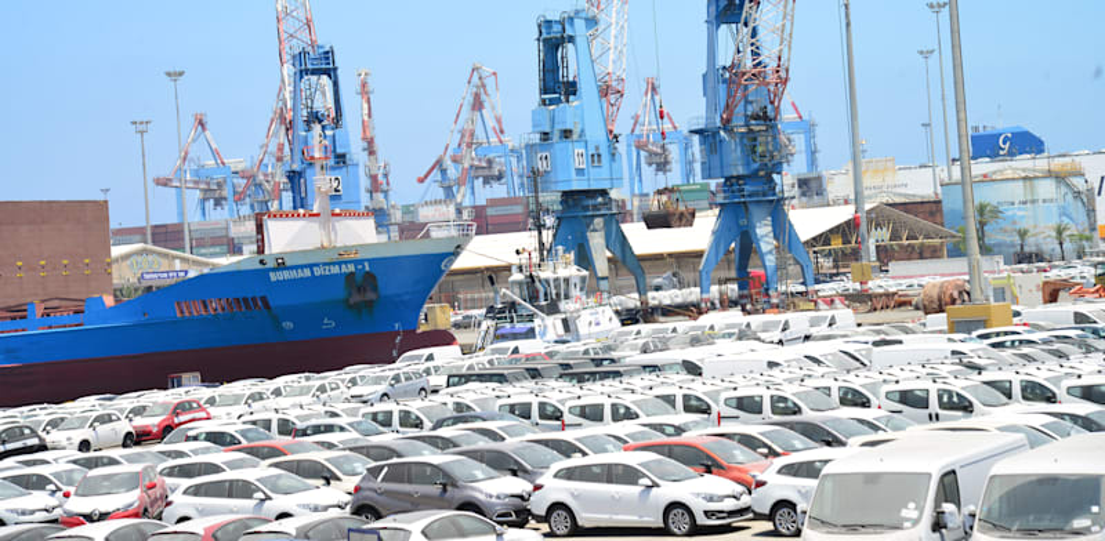 נמל אשדוד. צפי למכירות של 290 אלף כלי רכב חדשים השנה / צילום: תמר מצפי
