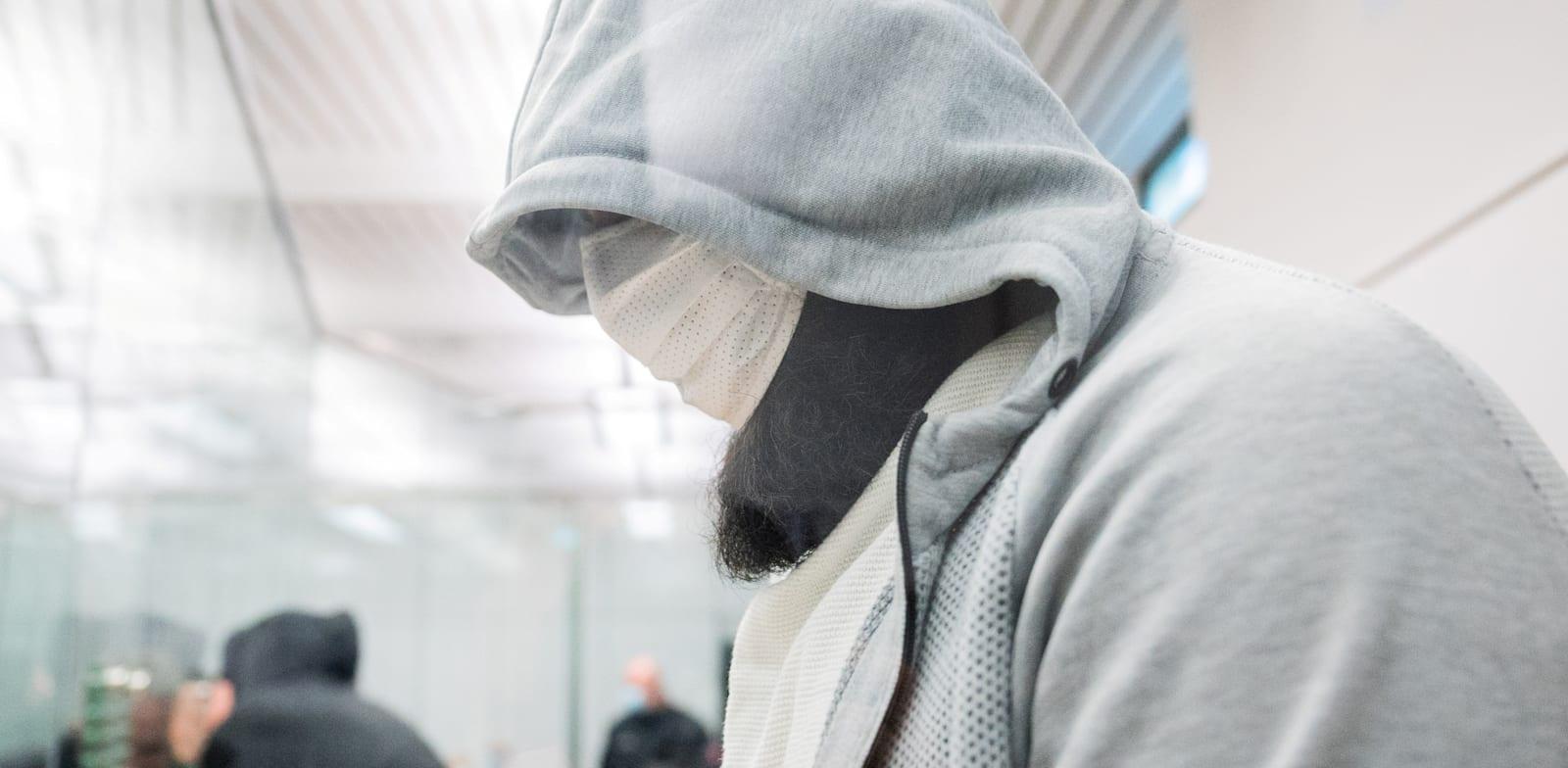 """מעצרו של אחמד עבדול-עזיז עבדאללה, חבר בכיר בדאע""""ש, המכונה """"אבו-וואלה"""" / צילום: Reuters, Julian Stratenschulte"""
