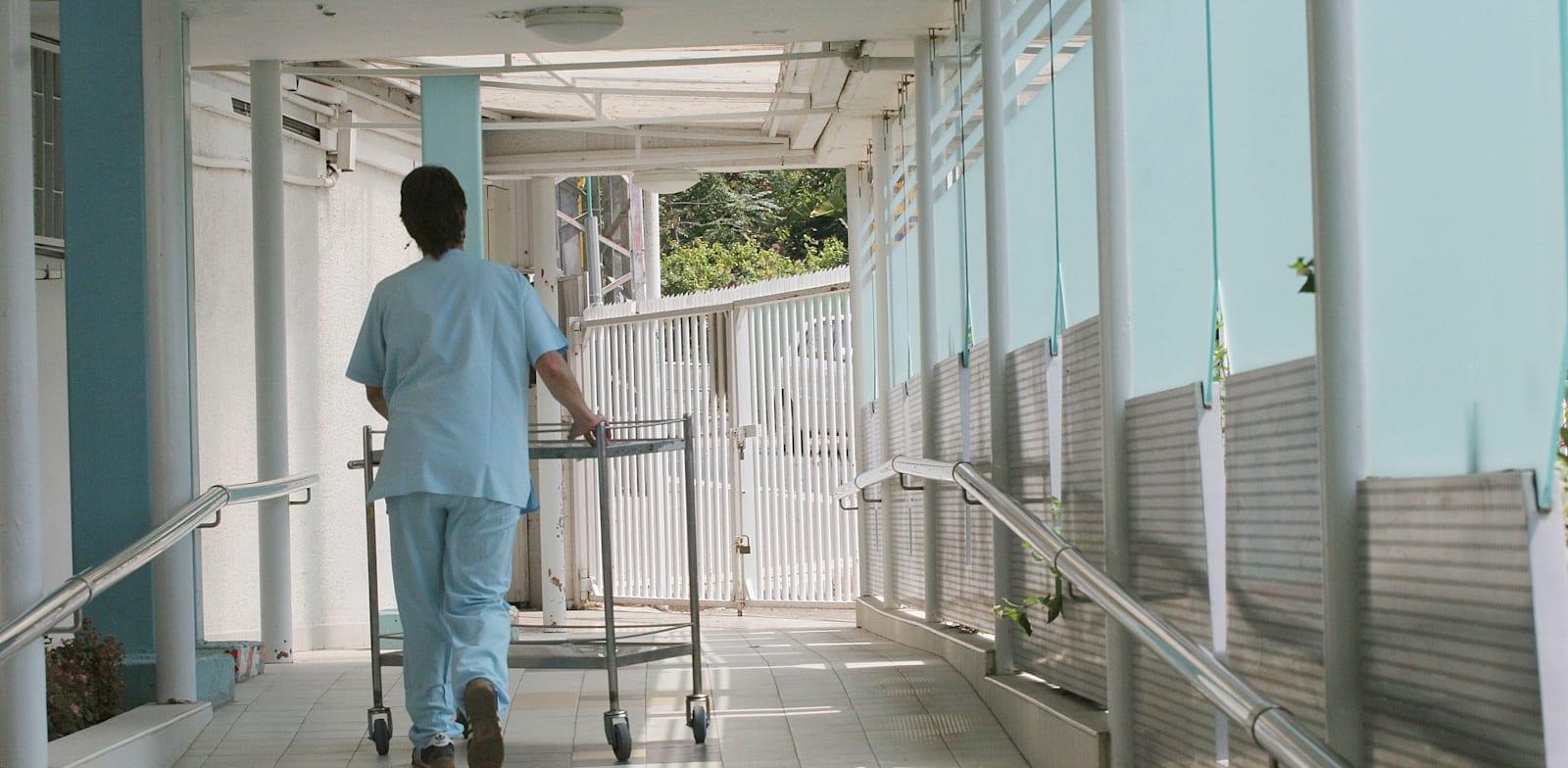 מסדרון של בית חולים / צילום: עינת לברון