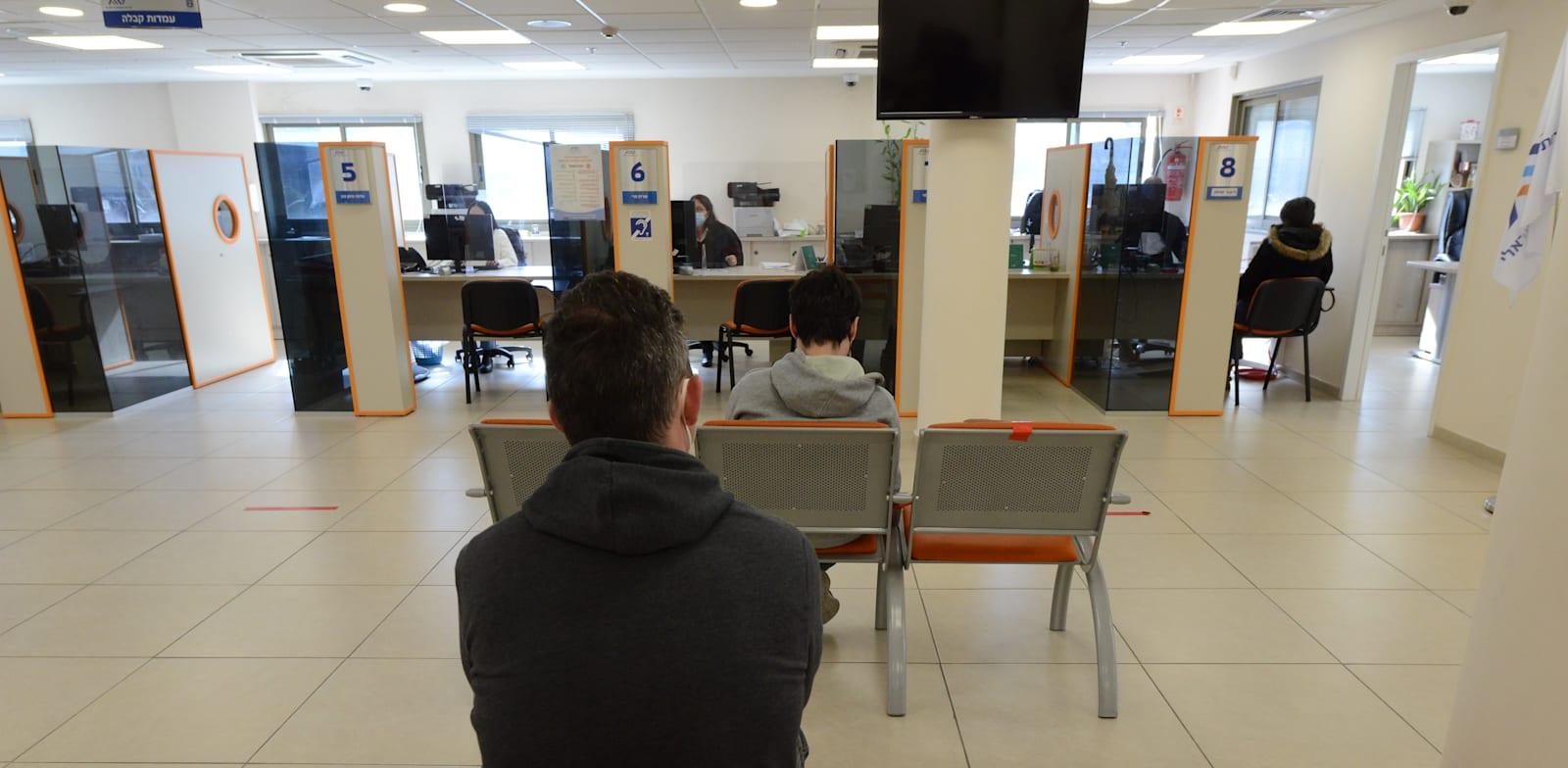 לשכת התעסוקה חולון / צילום: איל יצהר