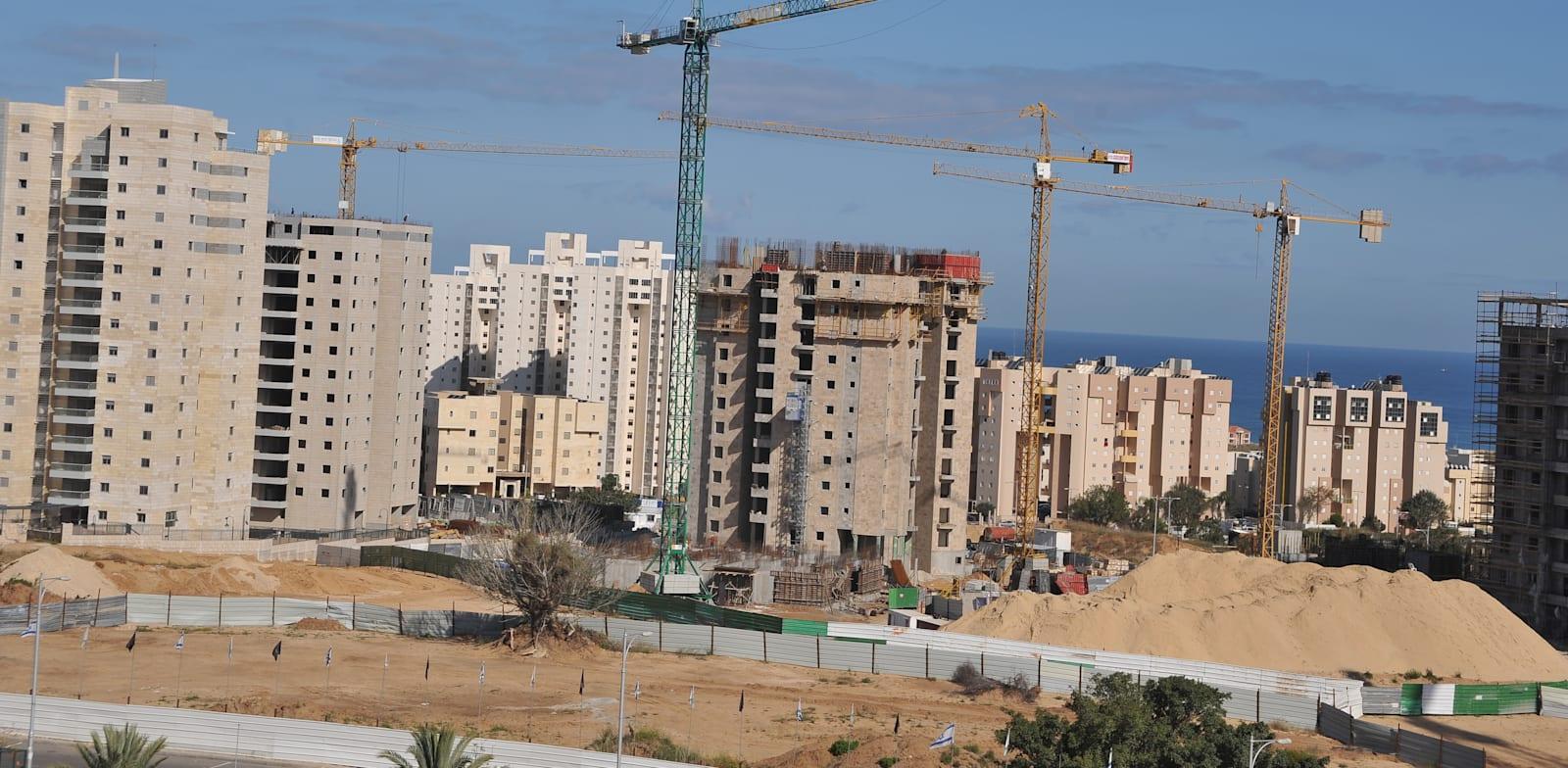 Construction in Ashkelon Photo: Tamar Matsafi