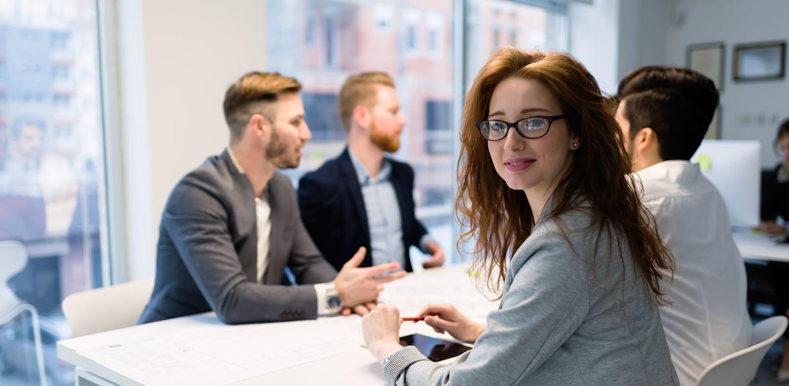 נשים משפיעות בענף הפרסום / צילום: Shutterstock