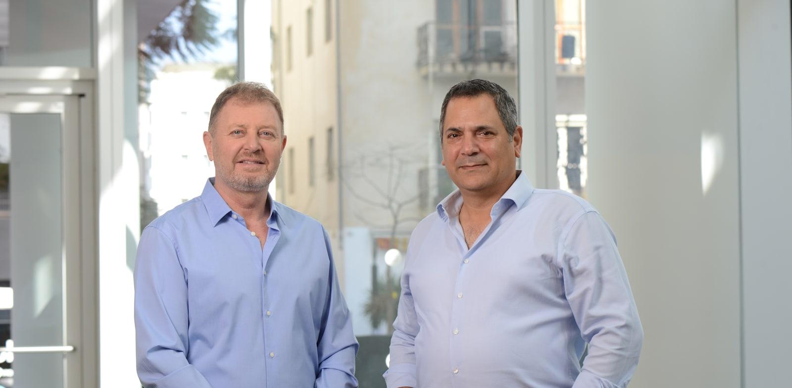 """זיו אבירם, בעלי מדיקיין (משמאל), וד""""ר יוסי בן עמרם, מנכ""""ל החברה / צילום: איל יצהר"""