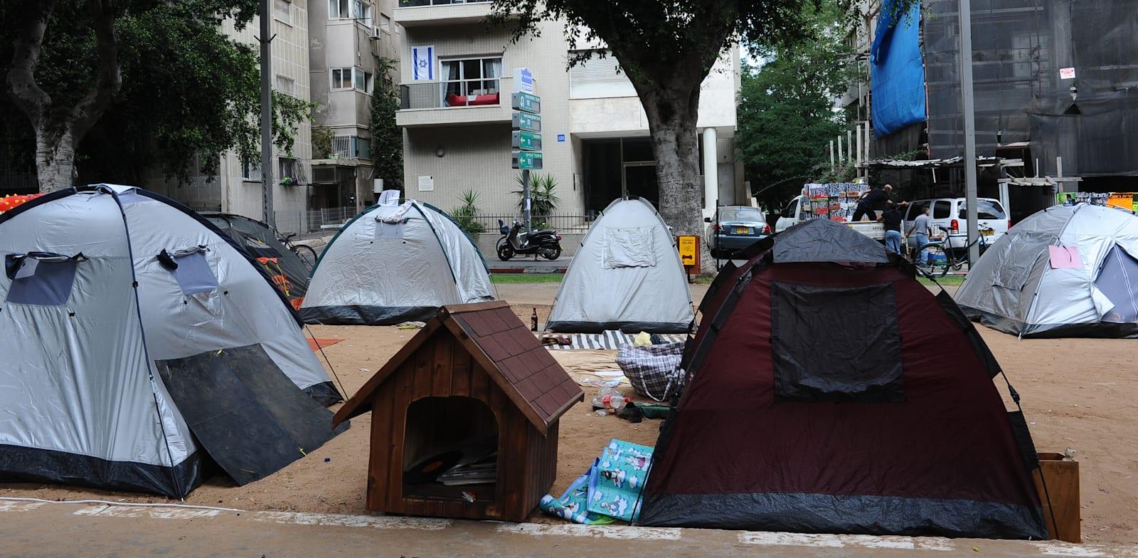 """מחאת אוהלים נגד מחירי הדיור, בשדרות רוטשילד בת""""א 2011 / צילום: תמר מצפי"""
