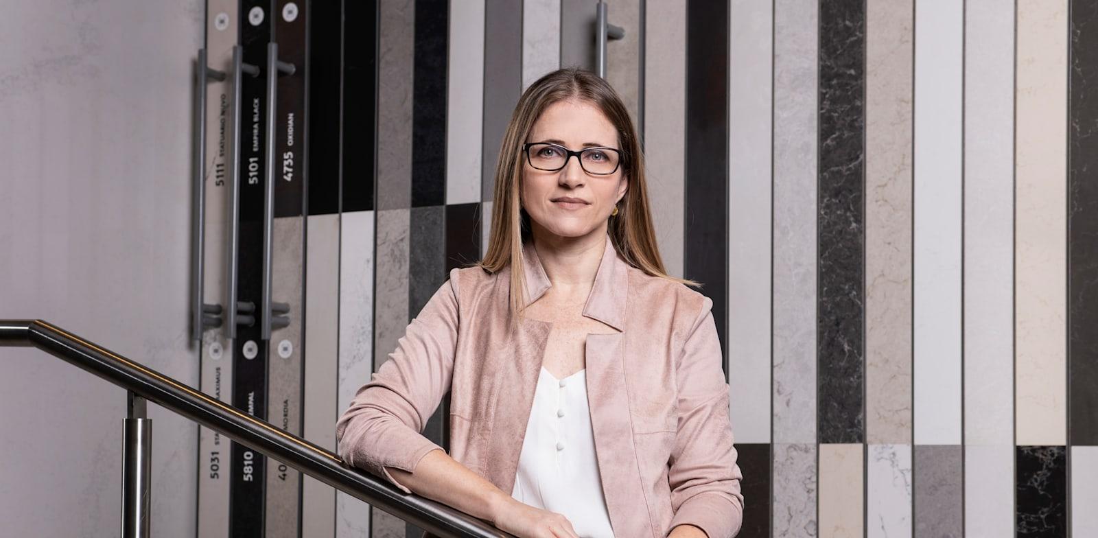 """רינת אפרימה, מנכ""""לית אבן קיסר / צילום: איליה מלינקוב"""