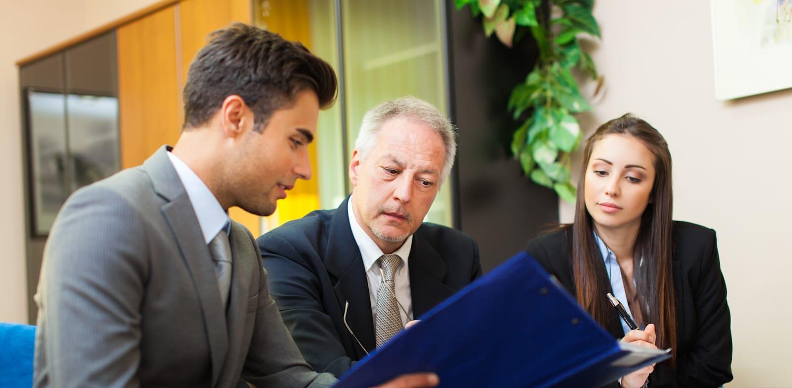 רק שליש מעורכות הדין בארץ שותפות בפירמות גדולות / צילום: Shutterstock