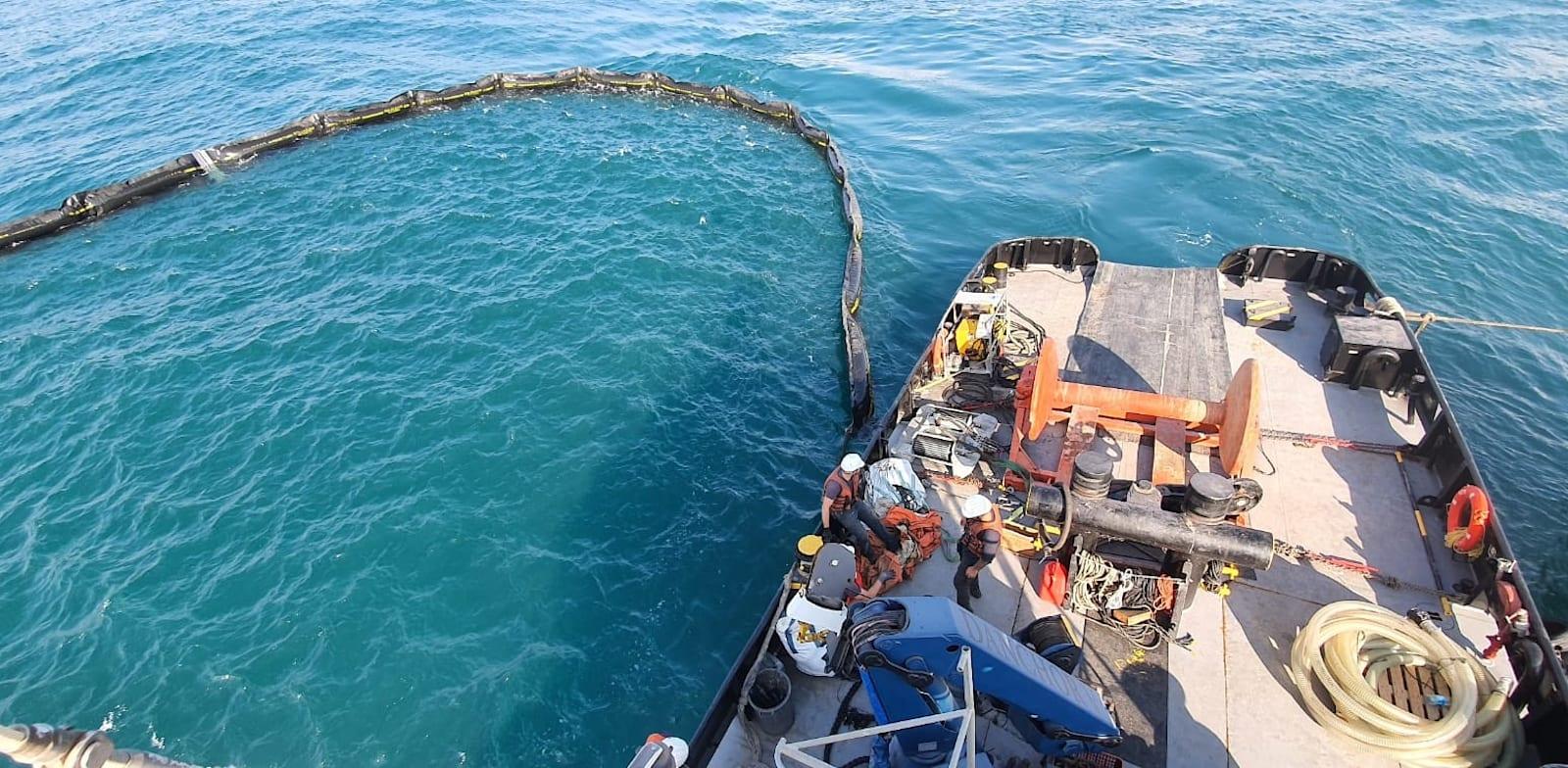 תרגיל זיהום ים בשמן של המשרד להגנת הסביבה, נובמבר 2020. ינסו להישען על כספי קרן העושר או תמלוגי הגז הטבע / צילום: המשרד לאיכות הסביבה