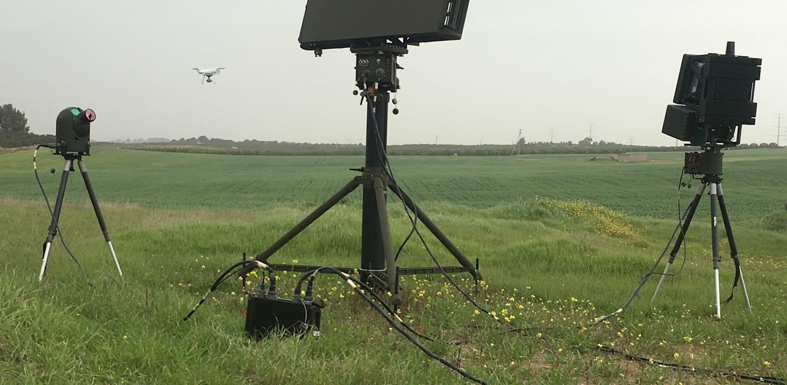 """מערכת חדשה להגנה מפני רחפנים וכטמב""""מים בעלות יכולות שיבוש והשמדת רחפנים עוינים / צילום: התעשייה האווירית"""