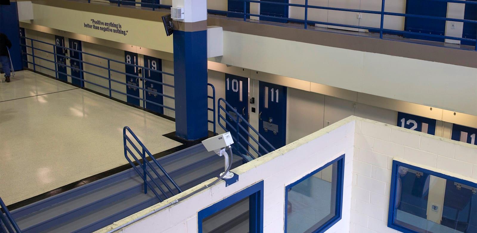 תאים בבית הכלא רייקרס איילנד בניו יורק / צילום: Reuters, Brendan McDermid