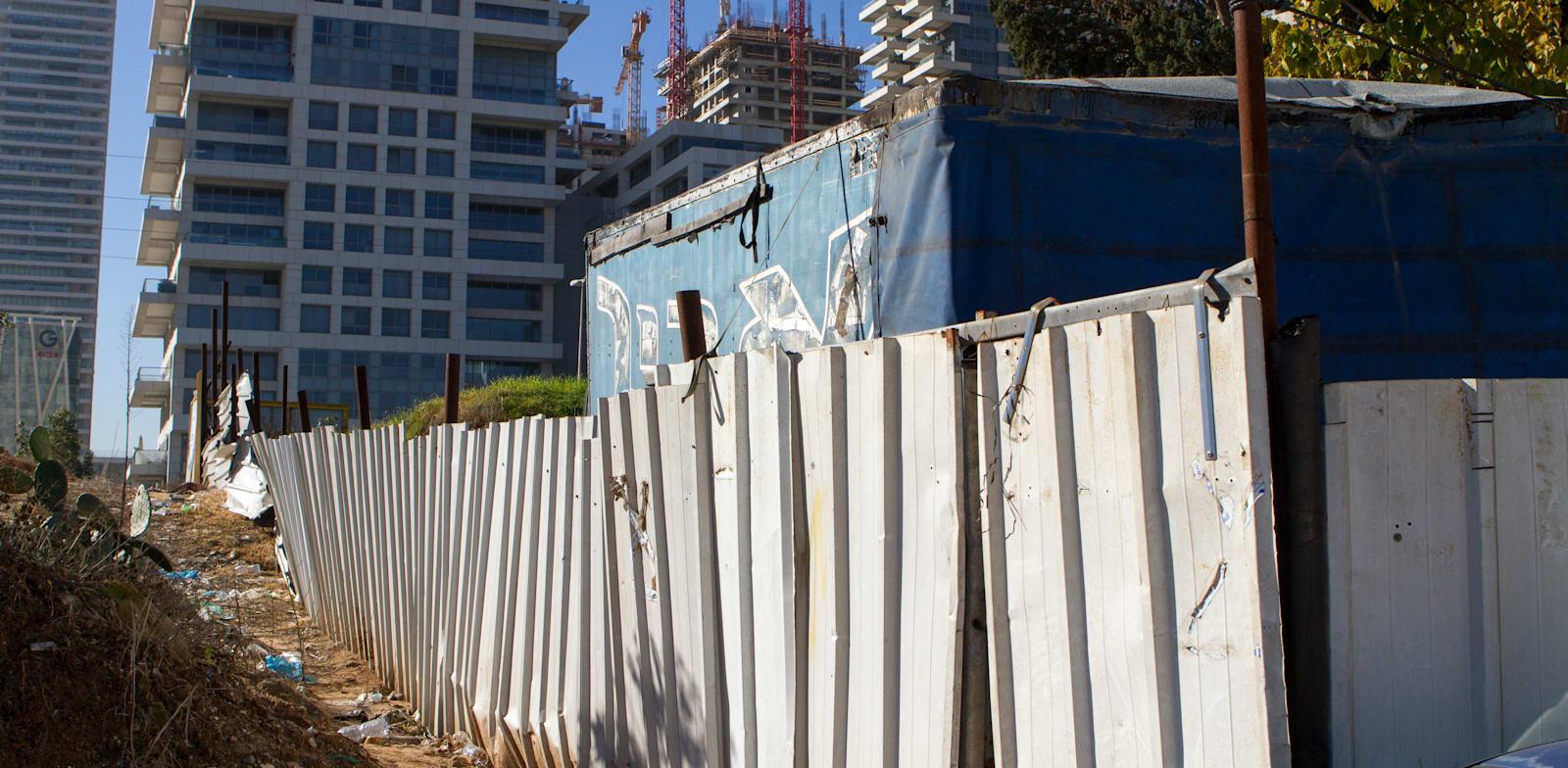 שכונת גבעת עמל. למרות המהמורות, התושבים לא ויתרו / צילום: שלומי יוסף