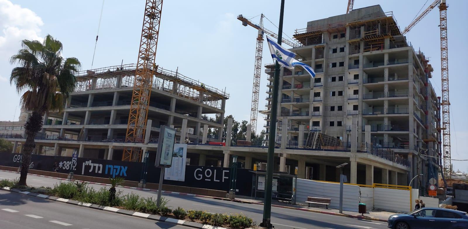 פינוי-בינוי ברחוב רוזן 57 בתל אביב / צילום: איל יצהר