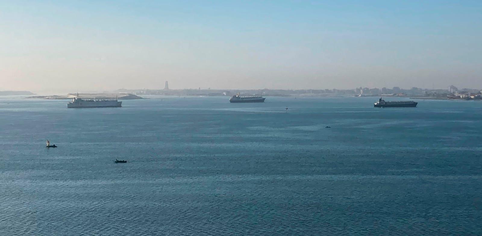 ספינות בתעלת סואץ / צילום: Associated Press, Sam Magdy