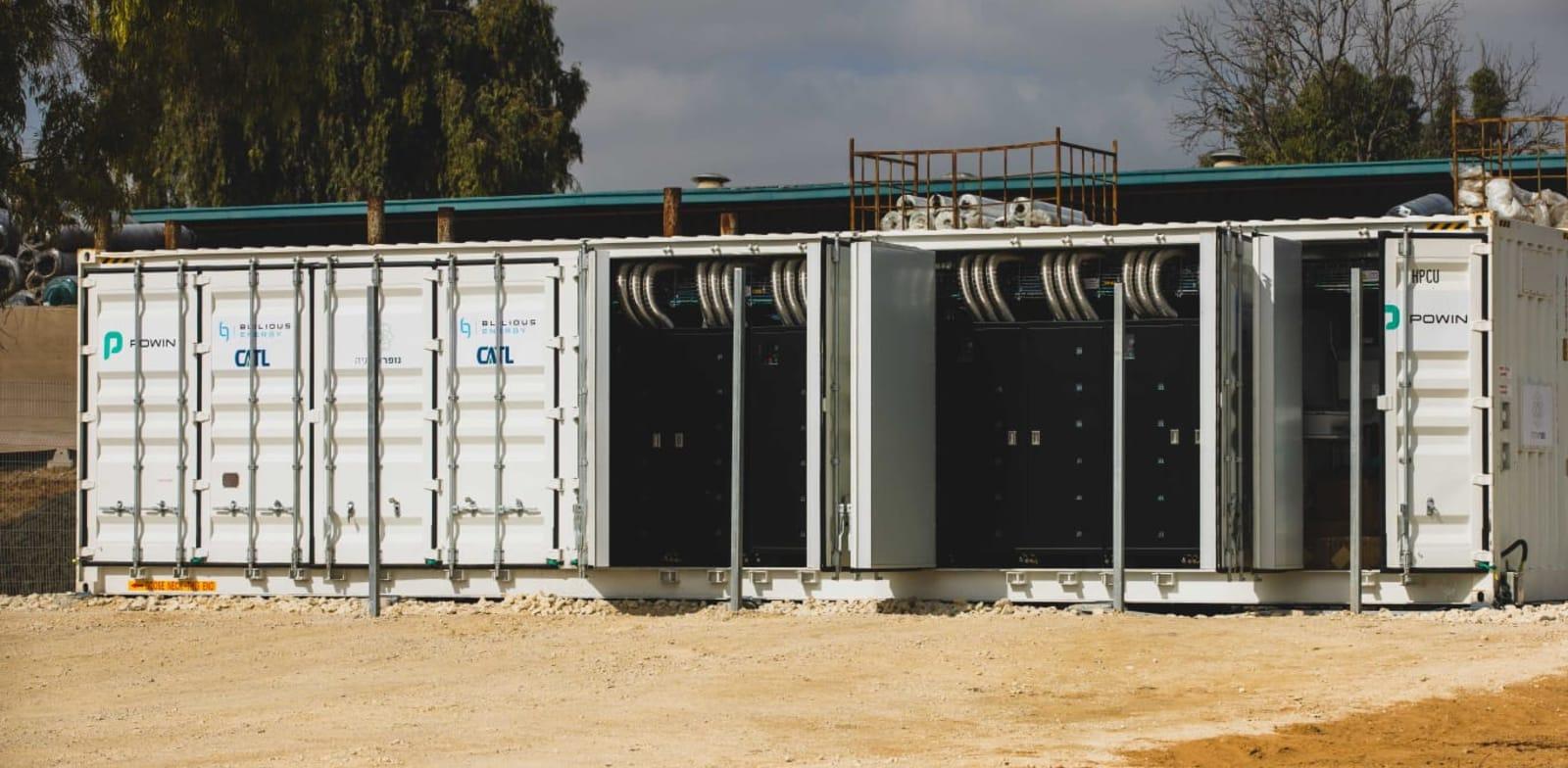 מתקן אגירה של נופר אנרגיה / צילום: ארז עוזיר