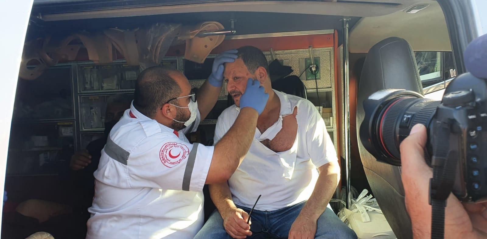 """ח""""כ עופר כסיף הותקף על ידי שוטרים בהפגנה במזרח ירושלים / צילום: ניצן רון"""