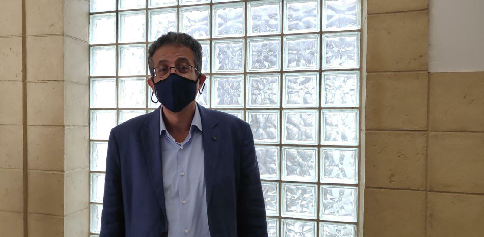 """אילן ישועה, מנכ""""ל וואלה לשעבר, בבית המשפט / צילום: אבישי גרינצייג"""