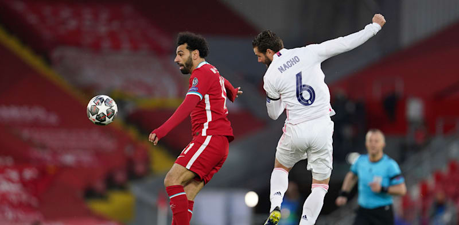מוחמד סלאח ומאצ'ו במשחק בין ליברפול וריאל מדריד / צילום: Associated Press, Jon Super