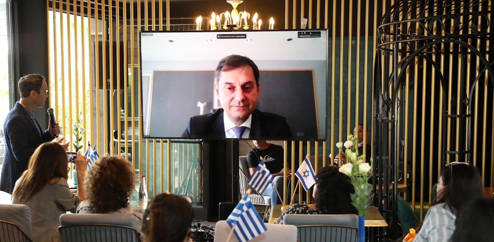 """שר התיירות היווני האריס תיאוהאריס במסיבת העיתונאים של מלונות בראון / צילום: יח""""צ, רפי דלויה"""