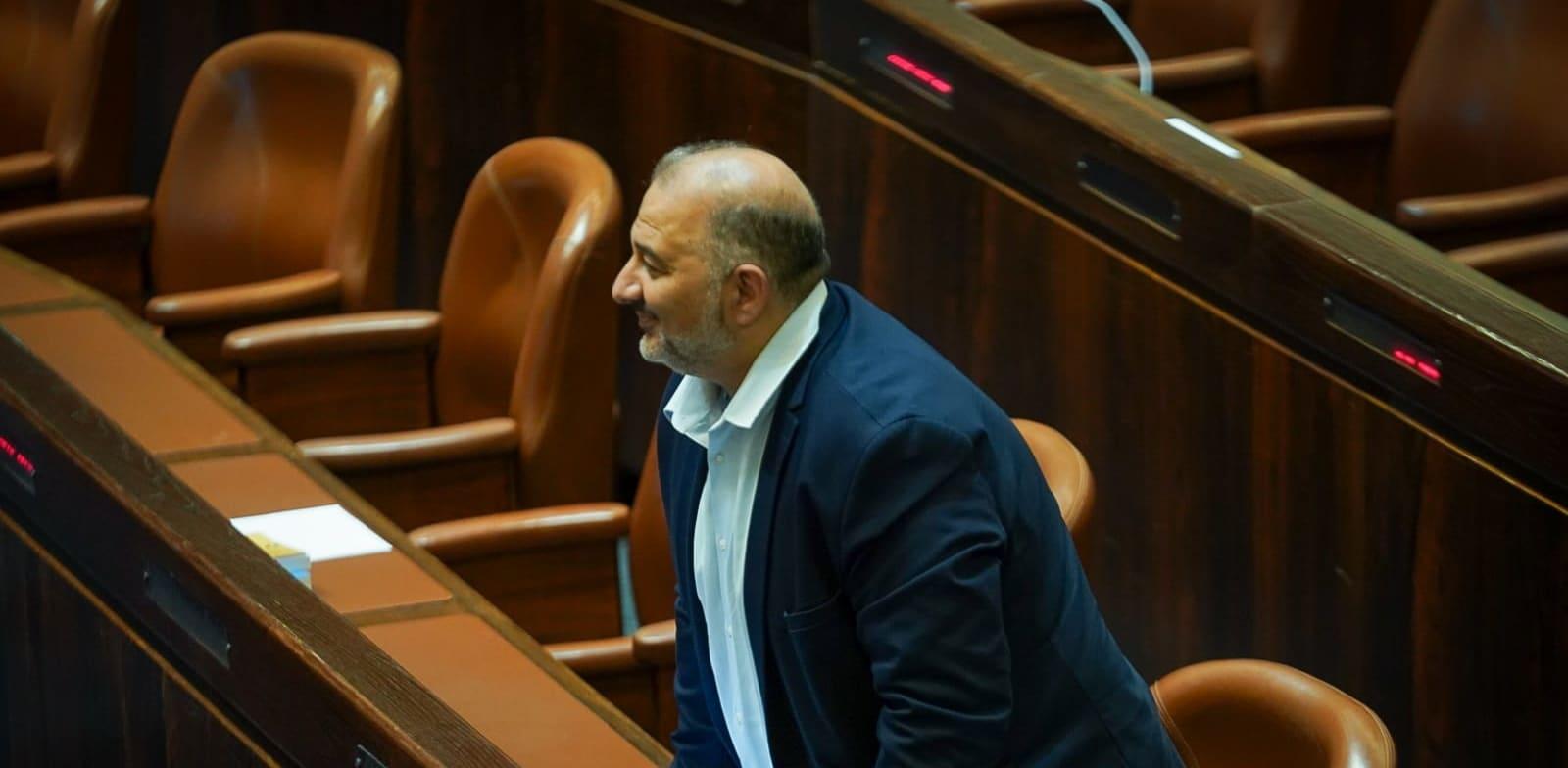 מנסור עבאס במליאה על הרכב הוועדה המסדרת / צילום: דוברות הכנסת - נועם מושקוביץ
