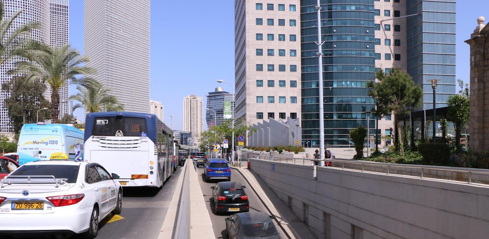 Tel Aviv traffic jam Photo: Cadya Levi