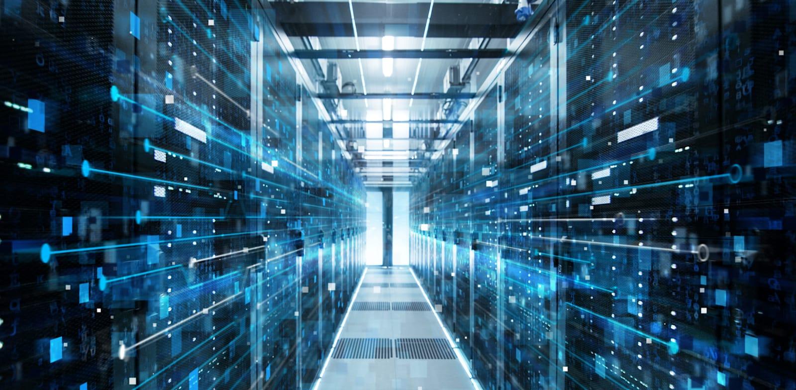 חדר שרתים למחשוב ענן / אילוסטרציה: Shutterstock, Gorodenkoff
