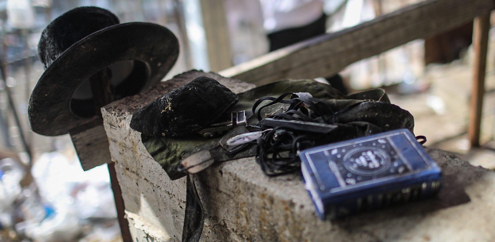 חפצים שנשארו באזור האסון בהר מירון / צילום: Reuters, DPA / Picture Alliance
