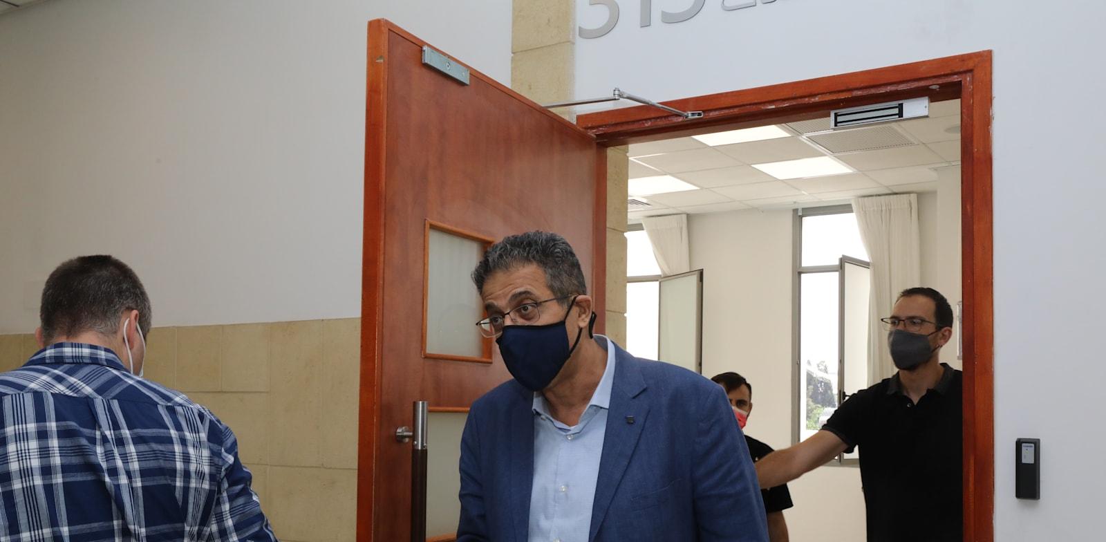 """מנכ""""ל וואלה לשעבר, אילן ישועה, בבית המשפט / צילום: יוסי זמיר"""
