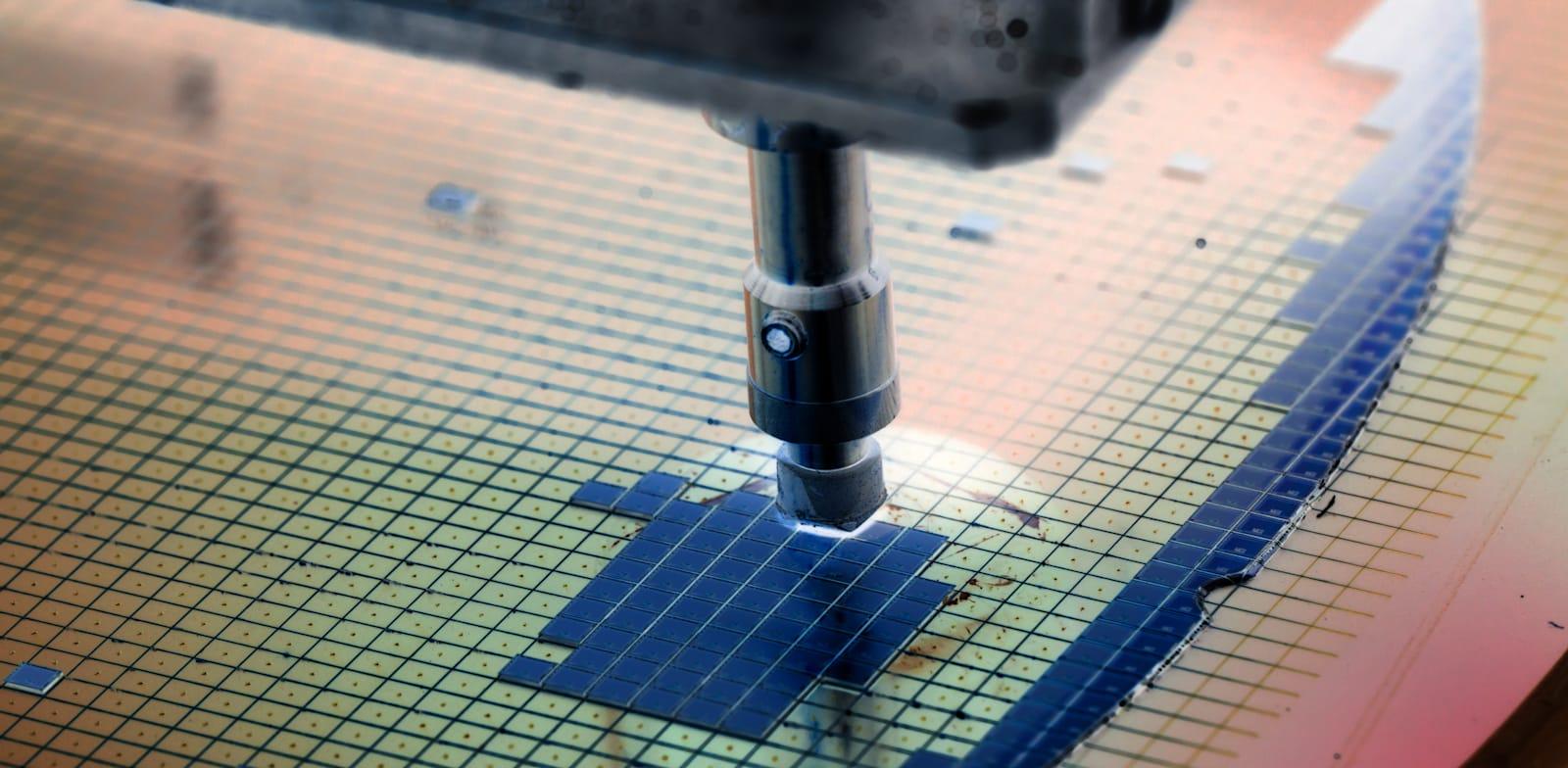 """169 תעשיות בארה""""ב מושפעות באופן ישיר מהמחסור בשבבים / צילום: Shutterstock, Macro photo"""