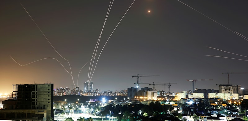 Missiles over central Israel Photo: Amir Cohen Reuters
