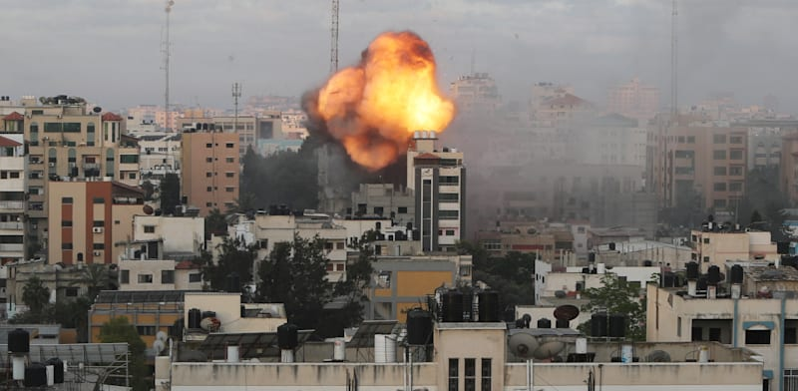 Building hitr in Gaza Photo: Reuters, Mohammed Salem