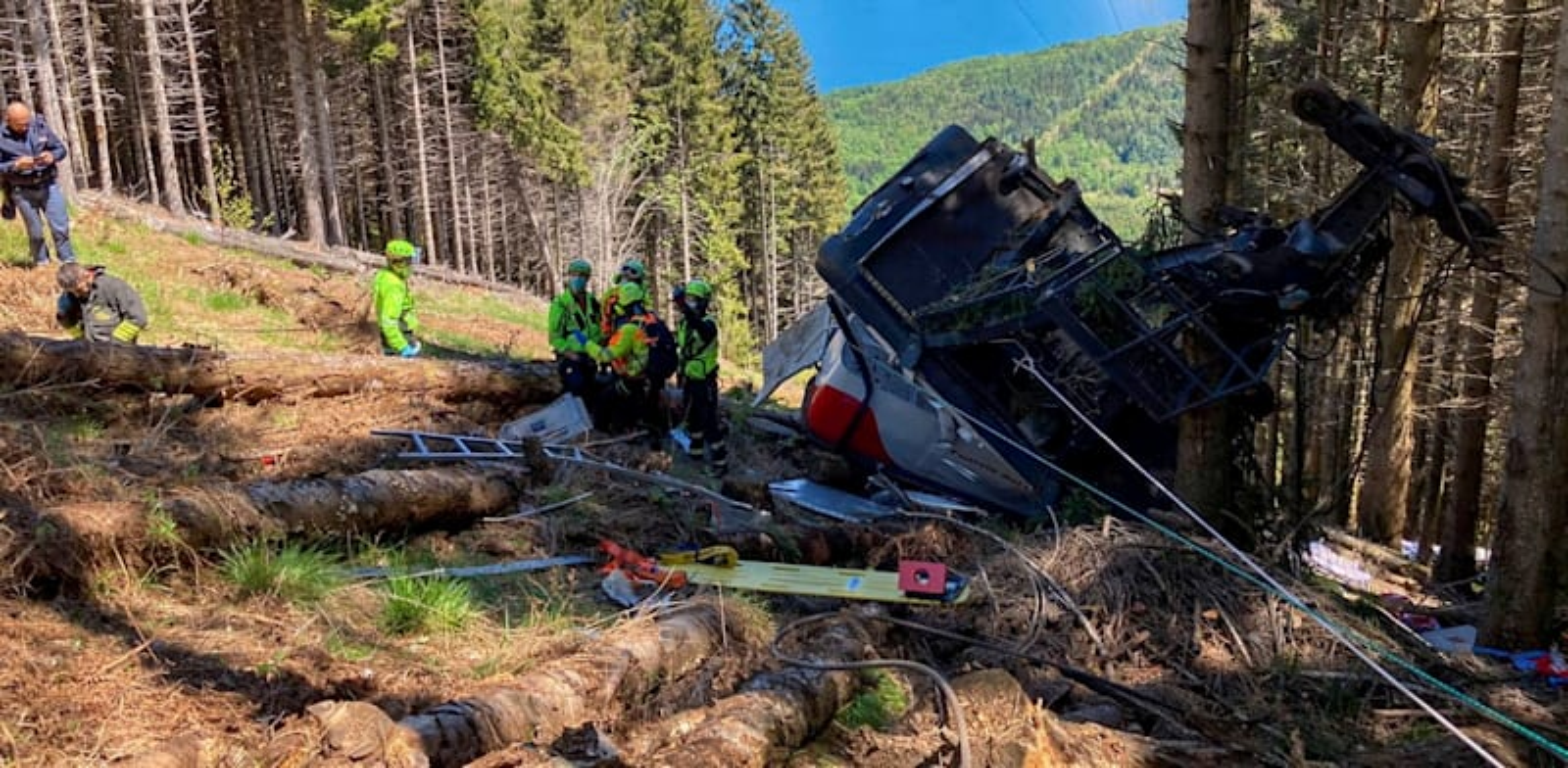 התרסקות הרכבל באיטליה / צילום: Reuters, KEVIN LAMARQUE