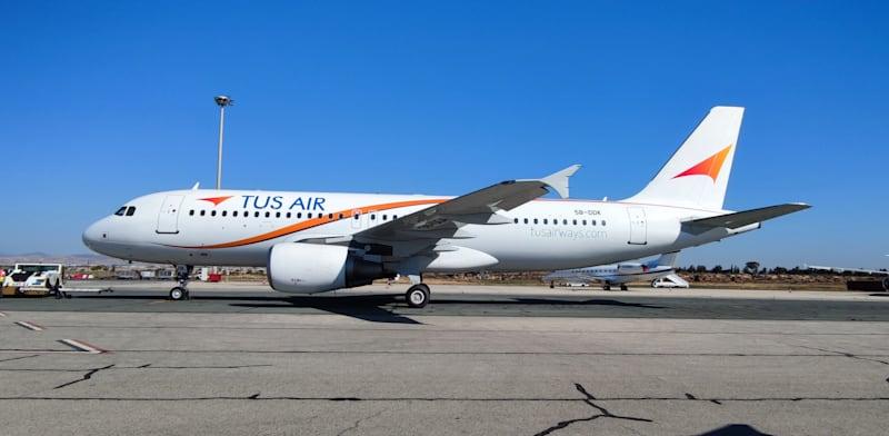 מטוס של TUS איירווייס / צילום: Elliott Kefalas