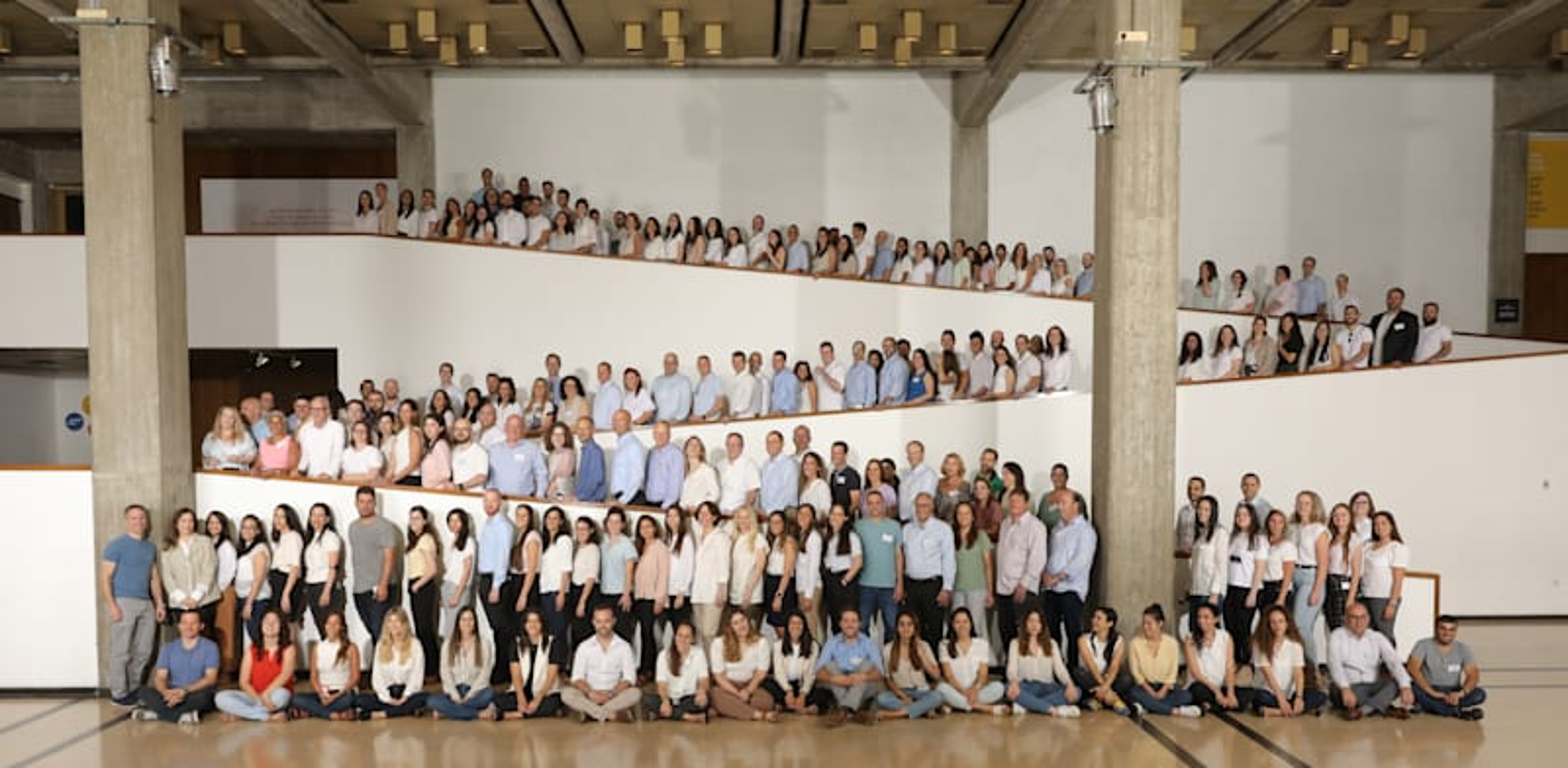 עובדי המשרד הממוזג / צילום: יוסי גמזו לטובה