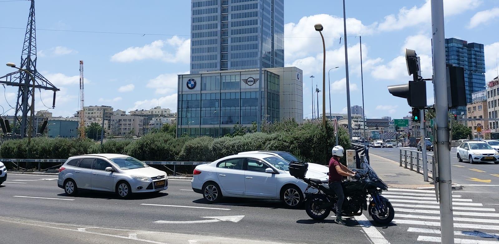 בנין ויתניה ברחוב לה גארדיה פינת החרש תל אביב / צילום: איל יצהר