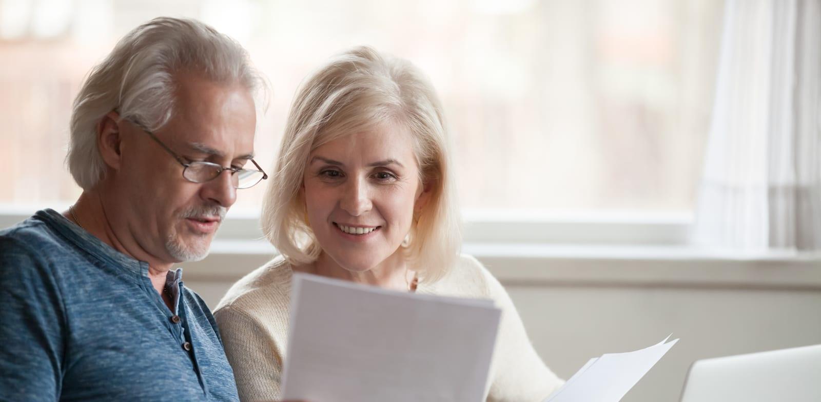 משכנתא הפוכה זהו פתרון פיננסי שיכול לסייע לרבים מבני הגיל השלישי / צילום: Shutterstock