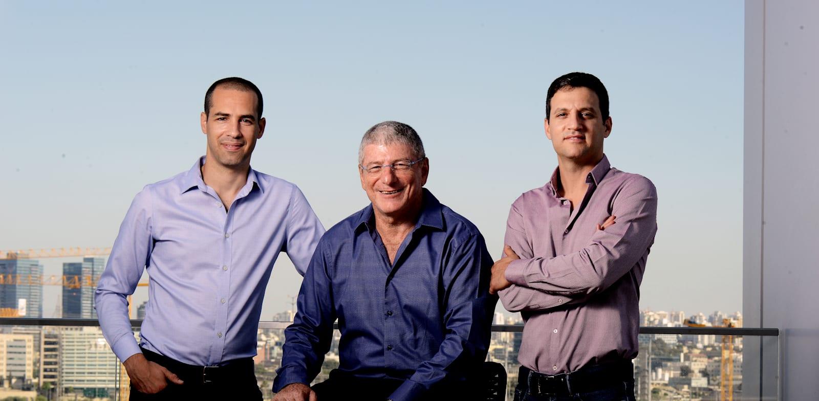 מימין לשמאל: עמית כוכבי, אליעזר שקדי ואופיר פלדי / צילום: איל יצהר