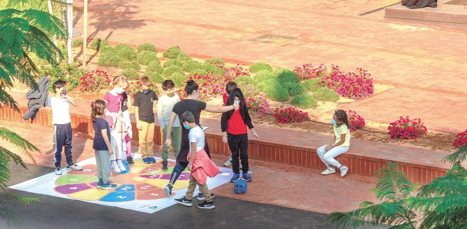 תלמידים בבית ספר בישראל. התוכניות של הממשלה עלולות להשאיר ילדים מאחור / צילום: Shutterstock