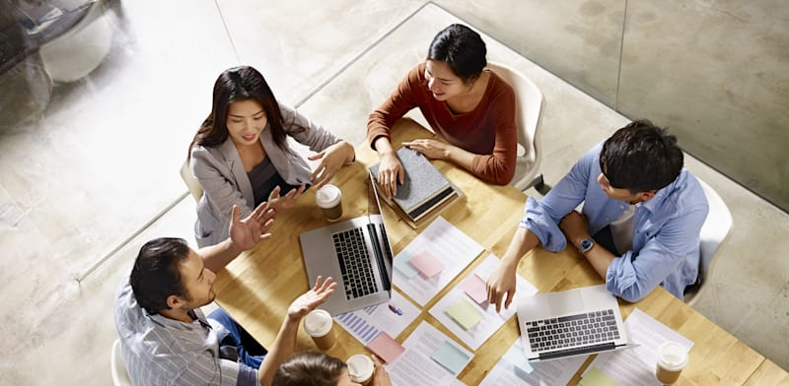 הניהול היפני הלא-היררכי שונה מאוד ממודל הניהול המקובל במדינות מערביות / צילום: Shutterstock, imtmphoto