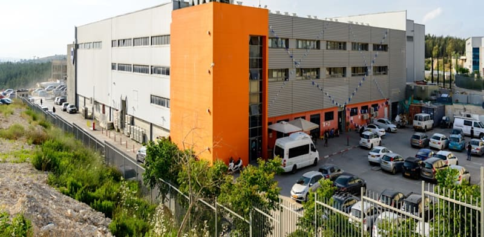 מרכז לוגיסטי של אמות במודיעין / צילום: אתר החברה
