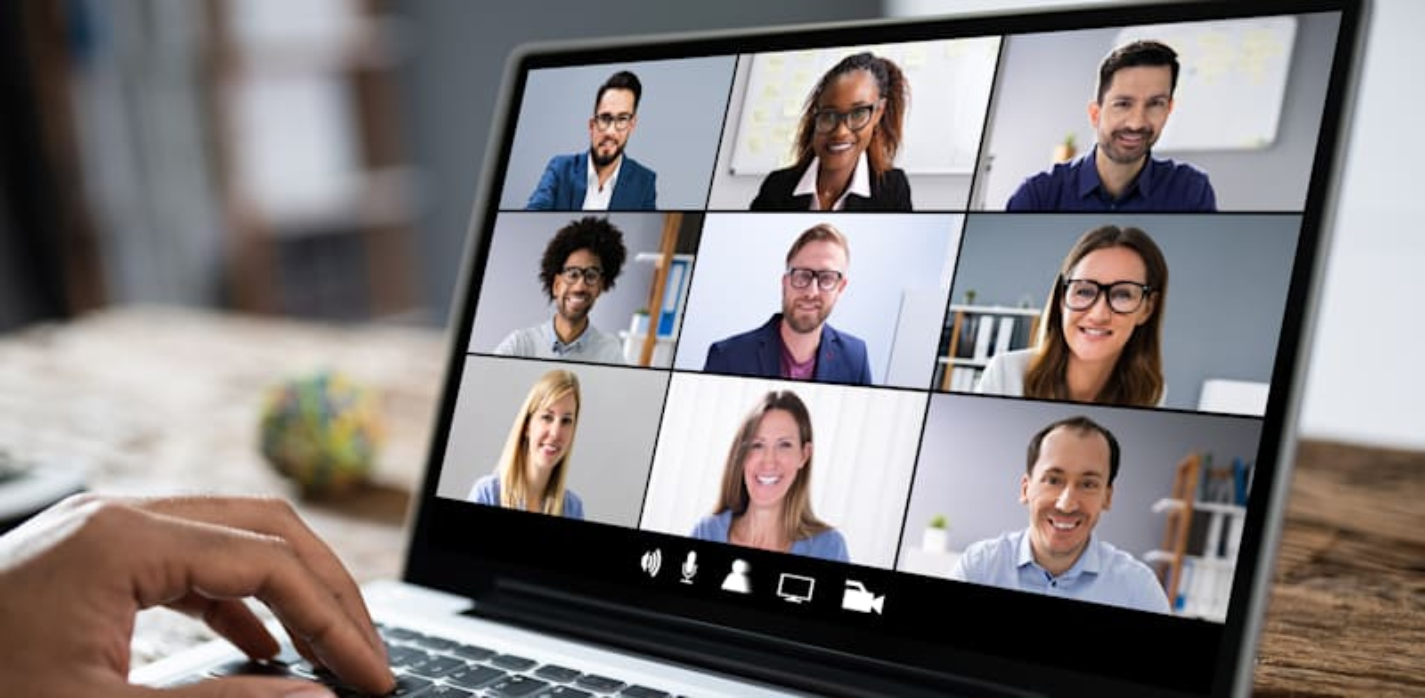 שיחת וידאו. טכנולוגיה לקבלת החלטות / צילום: Shutterstock, Andrey_Popov