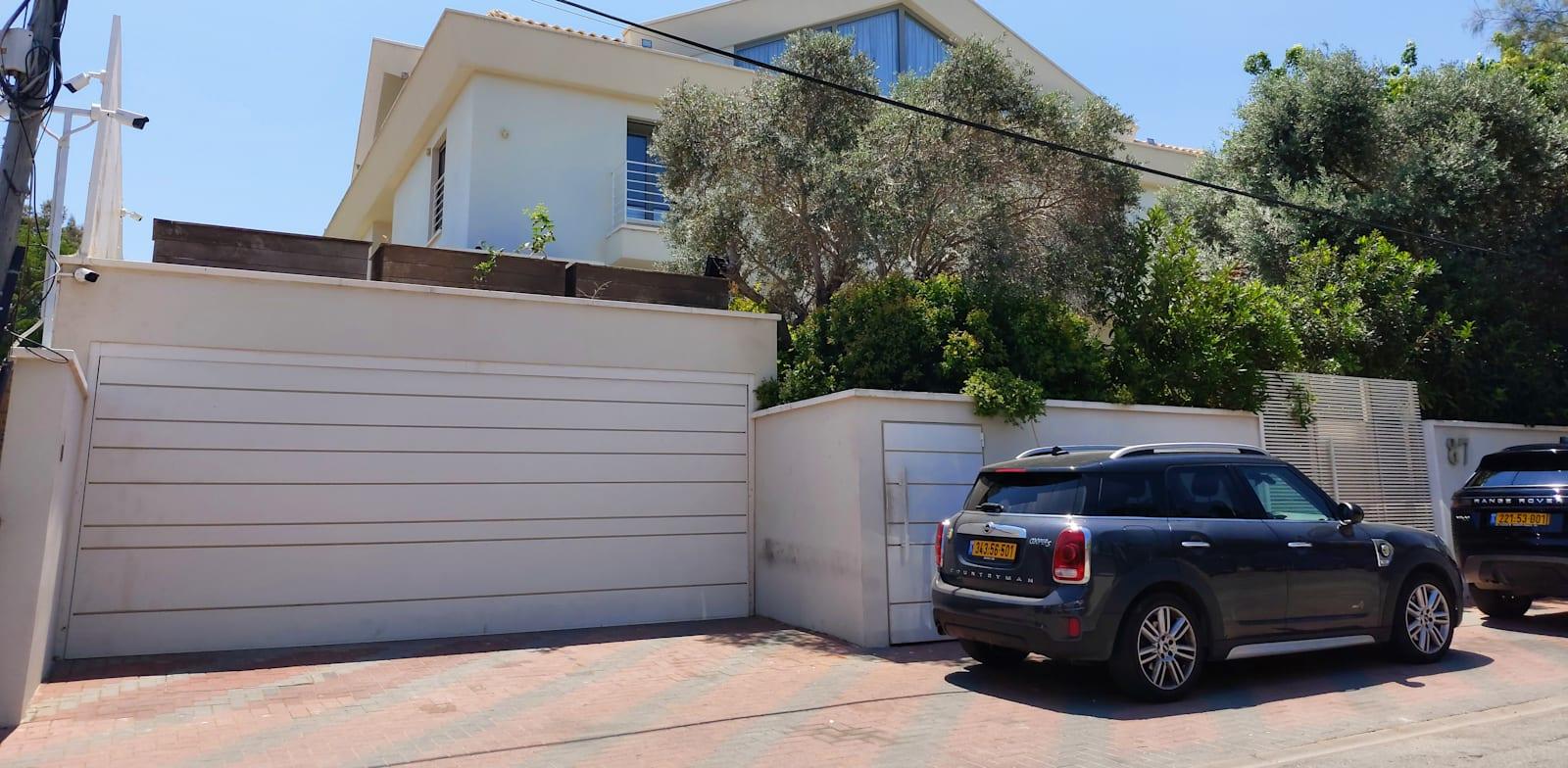 Leon Falic buys Herzliya home for NIS 88m