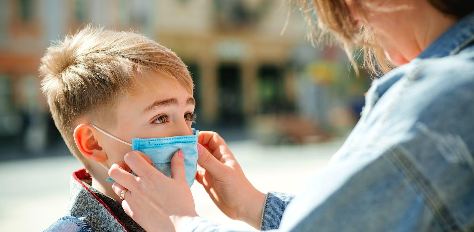 ילד עם מסכה / אילוסטרציה: Shutterstock