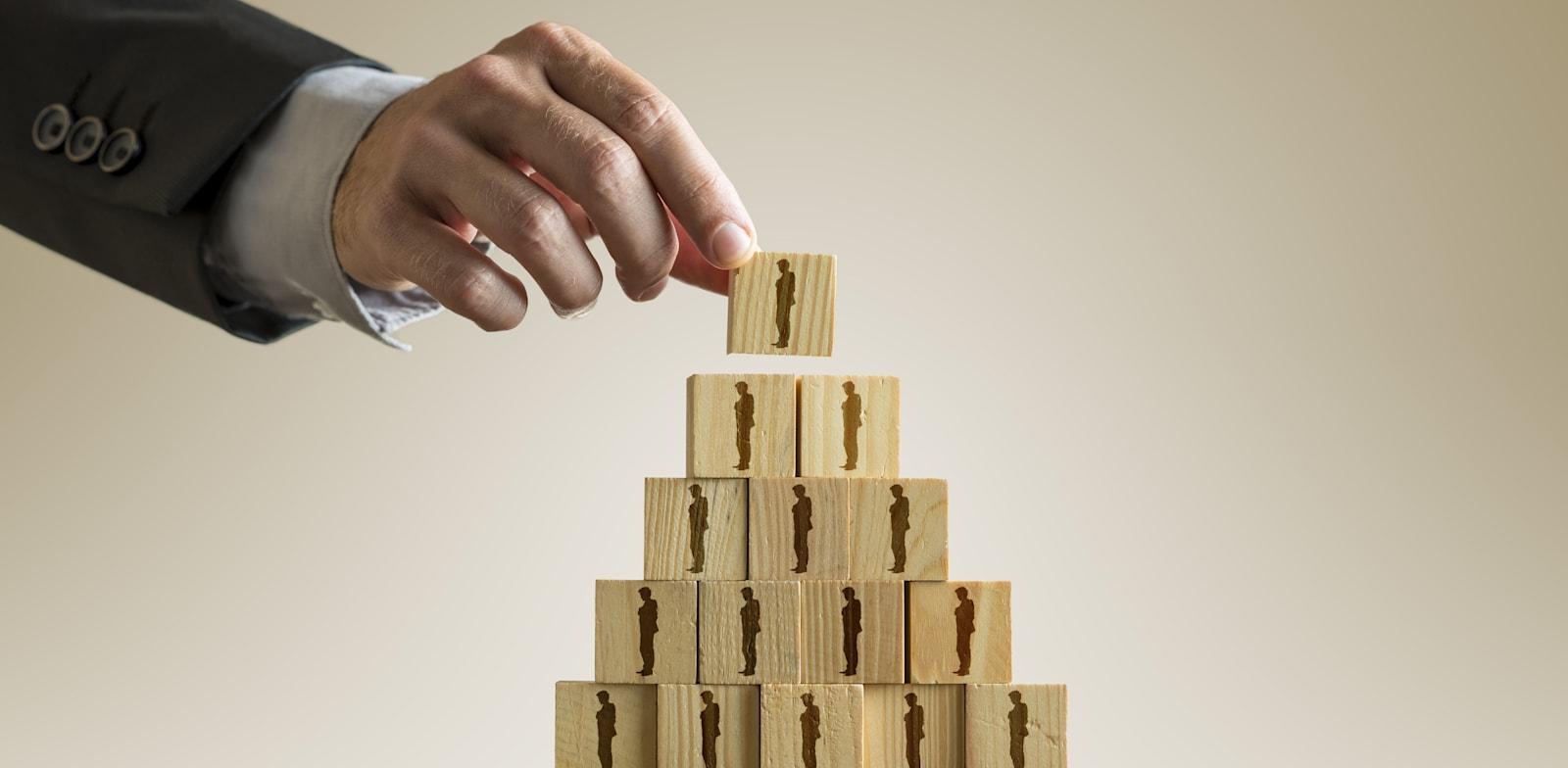 תרמית פירמידה / צילום: Shutterstock, Gajus