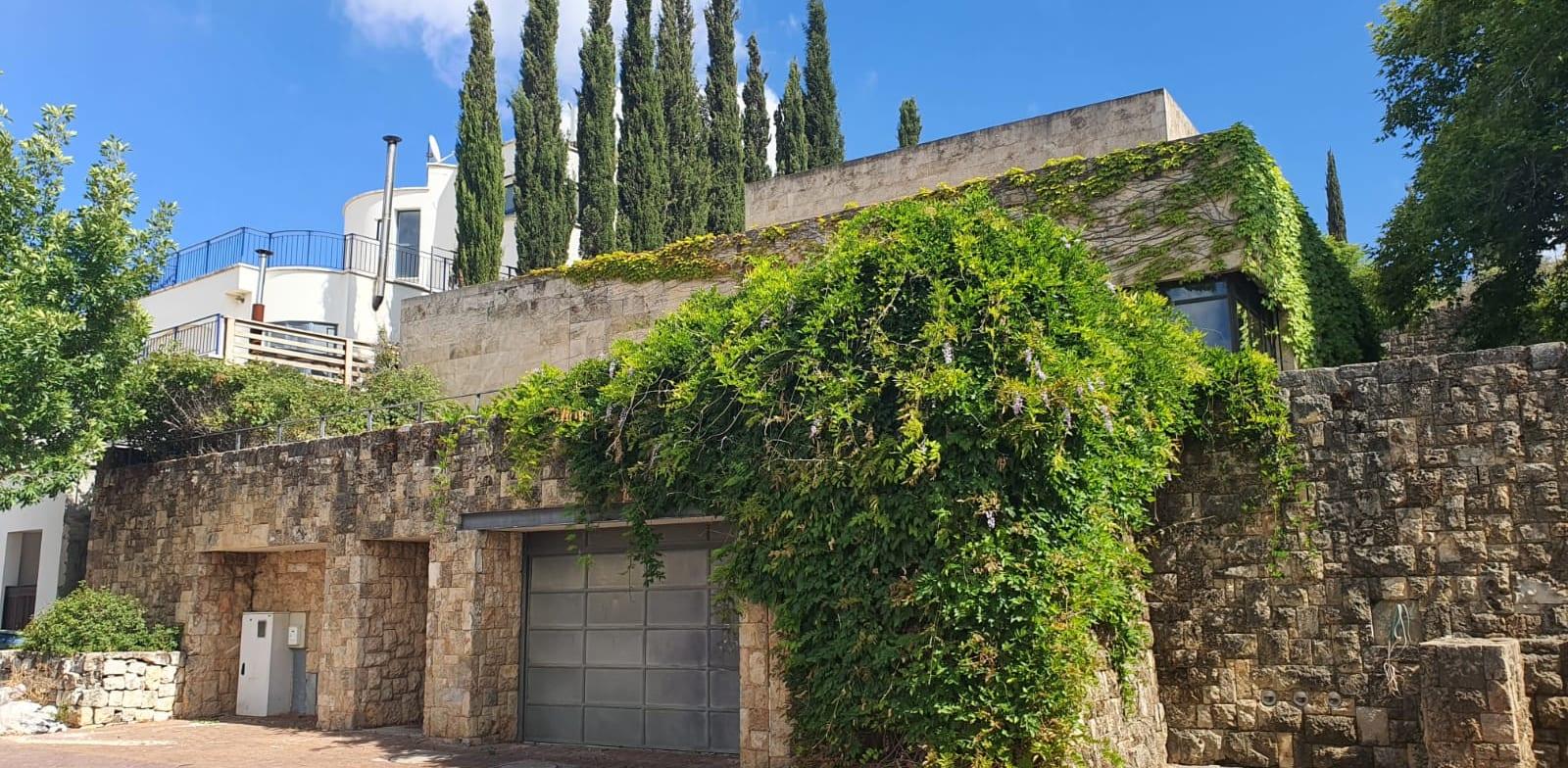 Wertheimer's Kfar Vradim house Photo: Paul Orleib