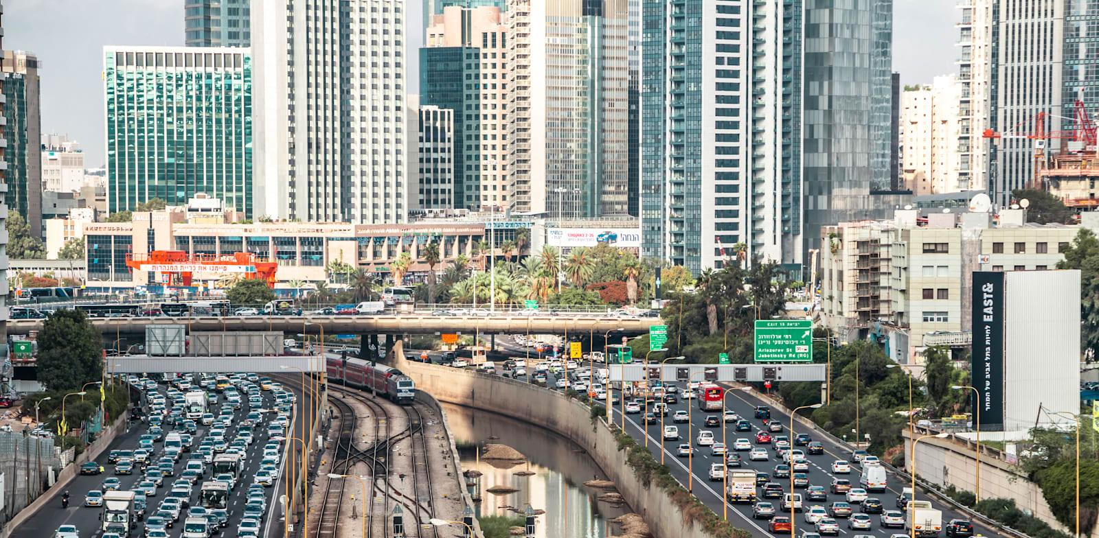Tel Aviv traffic Photo: Shutterstock
