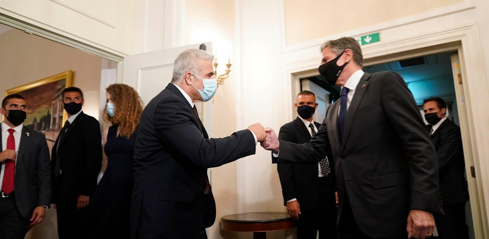 פגישת שר החוץ לפיד עם מזכיר המדינה בלינקן בחודש שעבר בוושינגטון / צילום: Associated Press, Andrew Harnik